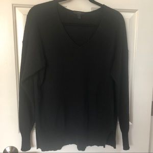 Cozy vneck wool blend sweater - Size M